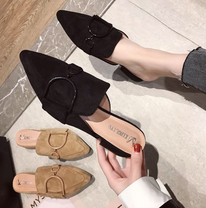 Low Heel Suede Buckle With Thick Pointed Slippers