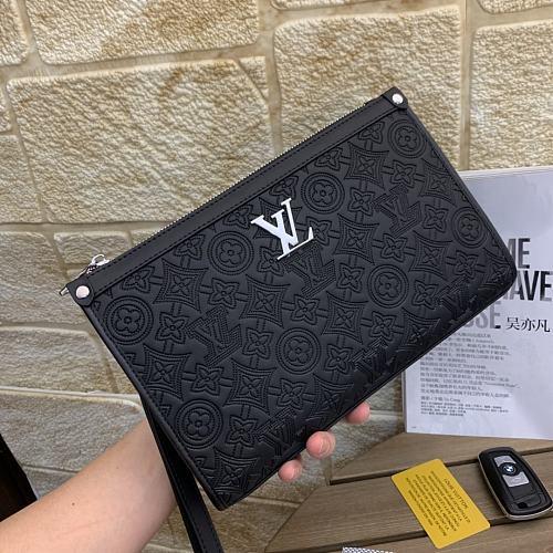 Key Case LOUIS VUITTON Leather Hand Bag 2313