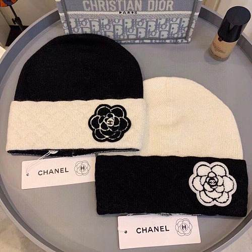 CHANEL KNITTED HAT WITH TWO COLORS ORIGINAL CC