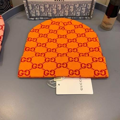 GUCCI  KNITTED HAT WITH FOUR COLORS ORIGINAL GG