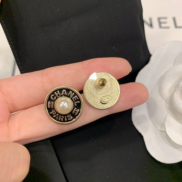CHANEL EARRINGS WITH GIFT BOX 101627