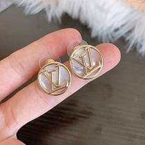 LOUIS VUITTON EARRINGS WITH GIFT BOX 100656