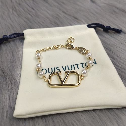 LOUIS VUITTON BRACELET WITH GIFT BOX 100338