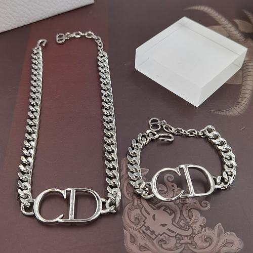 DIOR BRACELET NECKLACE SET  WITH GIFT BOX 102177