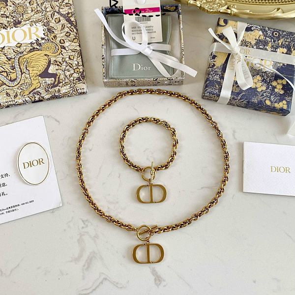 DIOR BRACELET NECKLACE SET  WITH GIFT BOX 102161