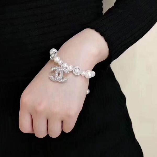 CHANEL BRACELET WITH GIFT BOX 102171