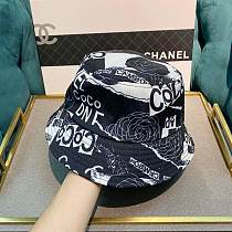 CHANEL FISHERMAN  HATS BLACK & WHITE KKIW025