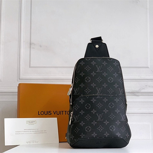 Louis Vuitton N41720 Avenue Sling Bag