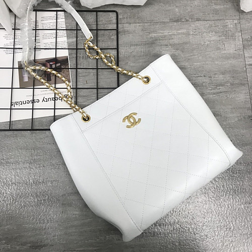CHANEL5895 Chain Crossbody Small Shopping Bag White