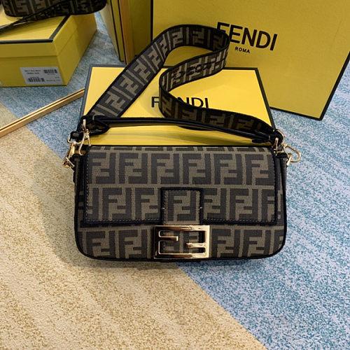 FENDI BAGUETTE shopping bag