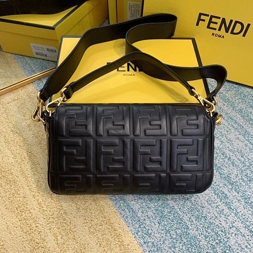 FENDI BAGUETTE full leather shopping bag