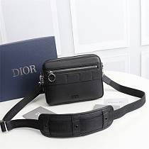 DIOR 1SFPO101 GRAINED CALFSKIN SAFARI MESSENGER BAG BLACK