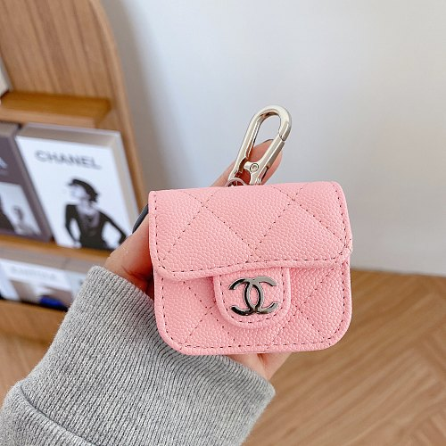 CHANEL AIRPODS PRO LEATHER CASE WITH LANYARD EJK-ZMT-XXEJB