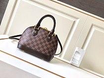 Louis Vuitton Alma BB M53152