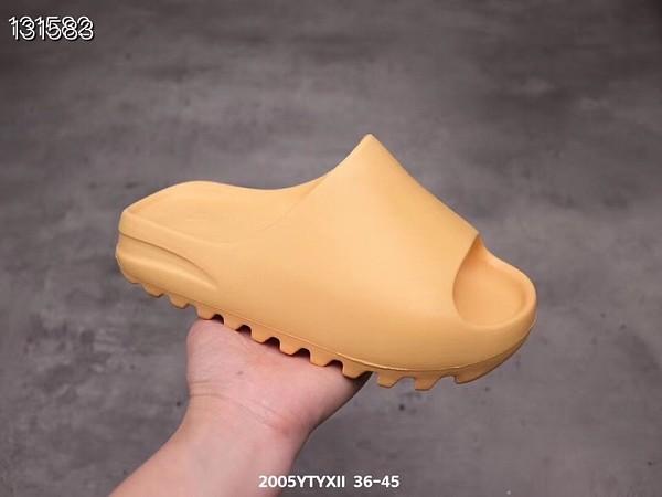 Copy slides men women slippers Desert Sand Core Soot Bone Earth Brown Foam Runner triple white black outdoor sandals with box