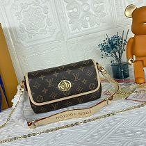Louis Vuitton M66805 Shoulder Bag 0907170