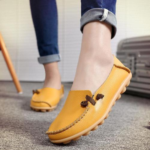 Women's Flat Slip-On Cowhide Loafers