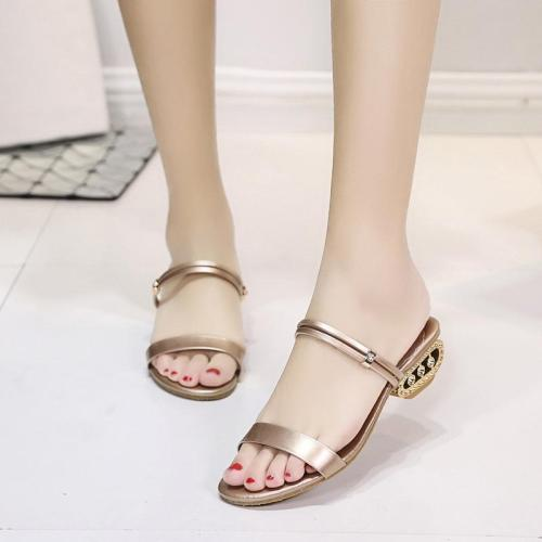 Fashion Pure Color Low-Heeled Woman Sandal