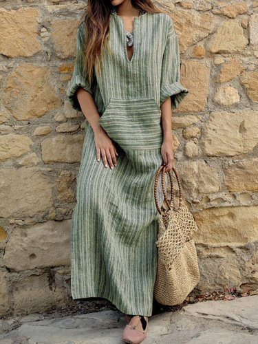 Woman Split Neck  Patch Pocket  Printed Maxi Dress
