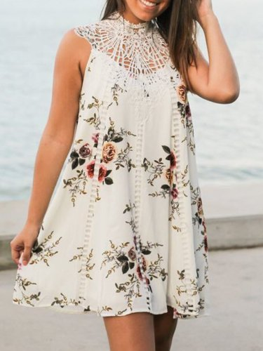 Round Neck  Decorative Lace Patch Pocket  Printed Shift Dress