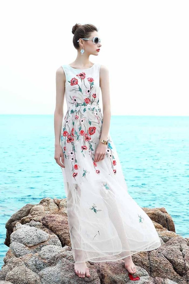Embroidery sexy sleeveless large swing midi dress