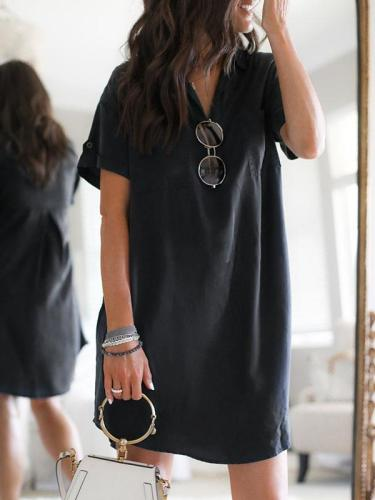 Black short sleeve v neck shift dresses