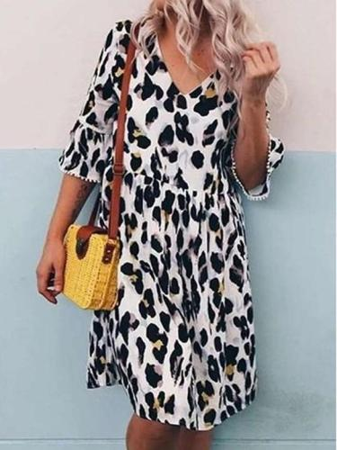 Fashion Casual Loose Leopard print V neck Gored Half sleeve Shift Dresses