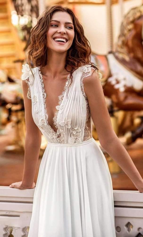 Pure Fashion Sexy Lace Gored V neck Sleeveless Evening Dresses