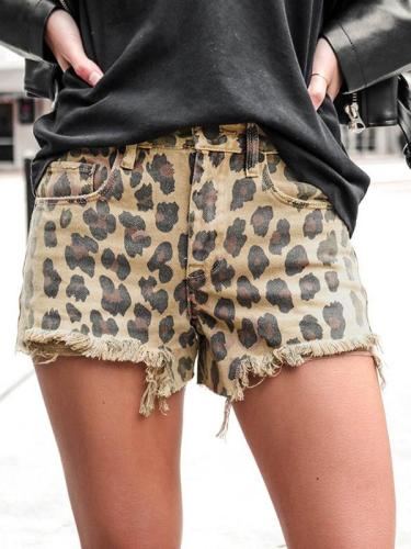Cool leopard printed women shorts shot pants