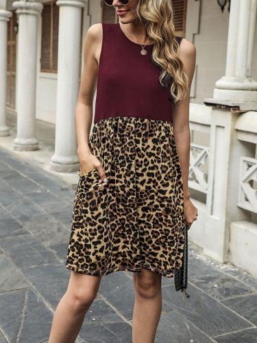 Round neck sleeveless leopard printed skater dresses