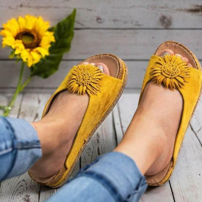 Women Elegants Flower Slip on Sandals