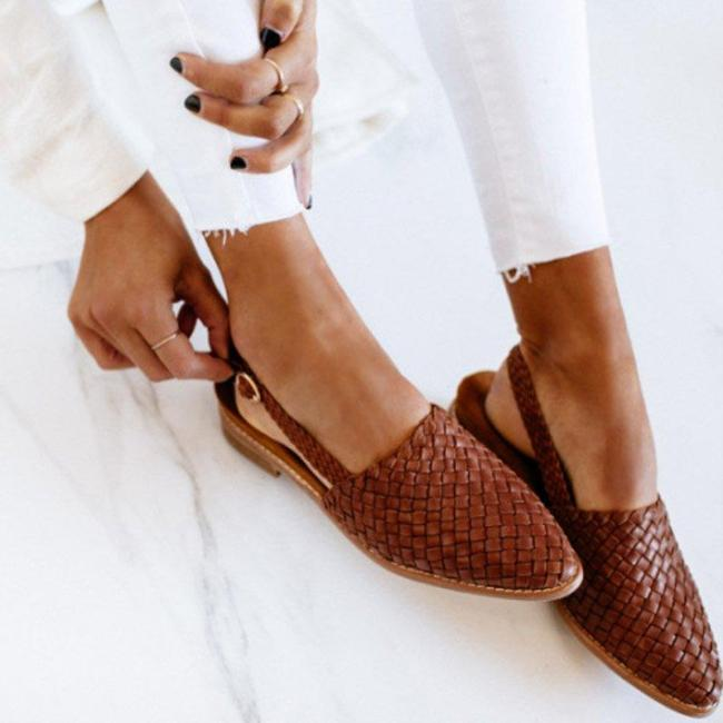 Women Chic Woven Buckle Closed Toe Sandals