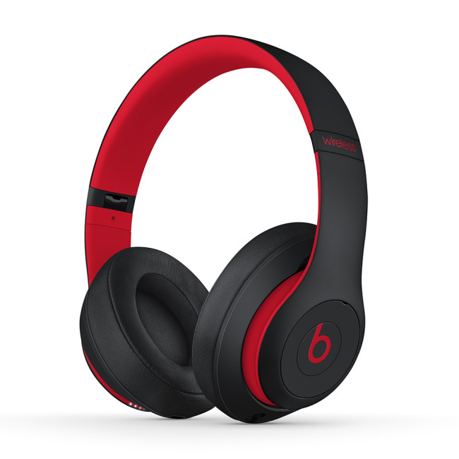 Beats Dr.Dre Studio3 Noise-Cancelling Bluetooth Wireless – Black inside red