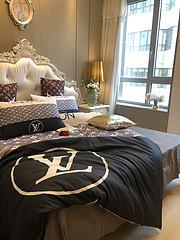 $100 A-305 Material:cotton  Four-piece set  size:1pc Duvet cover(200x230cm) +1pc bedsheet(240x250cm)+2pcs pillow case(45x74cm)