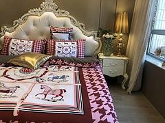 $100 A-323 Material:cotton  Four-piece set  size:1pc Duvet cover(200x230cm) +1pc bedsheet(240x250cm)+2pcs pillow case(45x74cm)