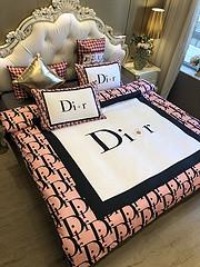 $100 A-324 Material:cotton  Four-piece set  size:1pc Duvet cover(200x230cm) +1pc bedsheet(240x250cm)+2pcs pillow case(45x74cm)