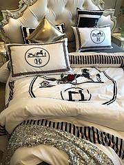 $100 A-308 Material:cotton  Four-piece set  size:1pc Duvet cover(200x230cm) +1pc bedsheet(240x250cm)+2pcs pillow case(45x74cm)