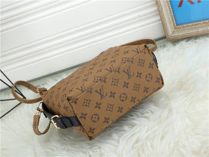 $45-668# 55 split leather,AAA good quality, no box Size:25X12X20CM