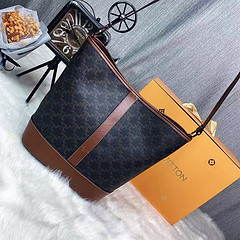 $40-9539#42-24.5x28x9CM offer split leather,AAA good quality, no box