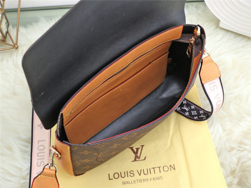 $45-20853# 60- 0.6kg offer split leather,AAA good quality, no box size 30X7X19CM
