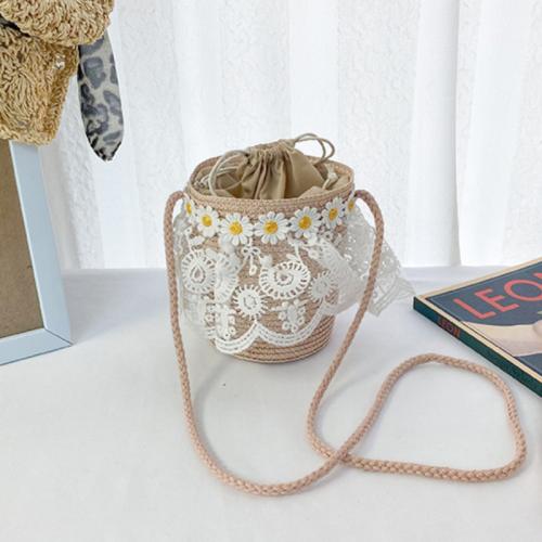 Lace straw shoulder bag