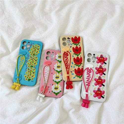 【花朵手機殼】韓國ins花朵腕帶適用iPhone手機殼  任選2個 附贈行動電源