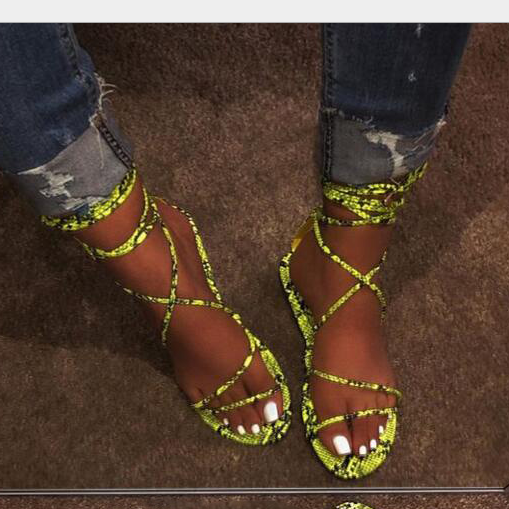 2020 New And Fashional Woman Snake Skin Flat Sandals