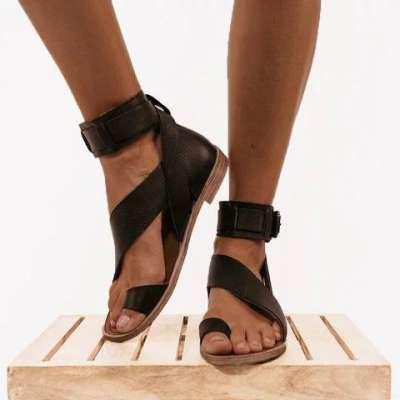 Fashion Flip-flops Flat Heel Buckle Strap Sandals