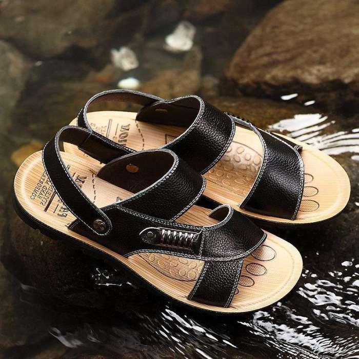 Men's  Metal Buckle Flat Open-toe Slipper Sports Casual Beach Sandals