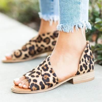 Large Size Women Peep Toe Side Cut Style Stacked Flat Heel Sandals