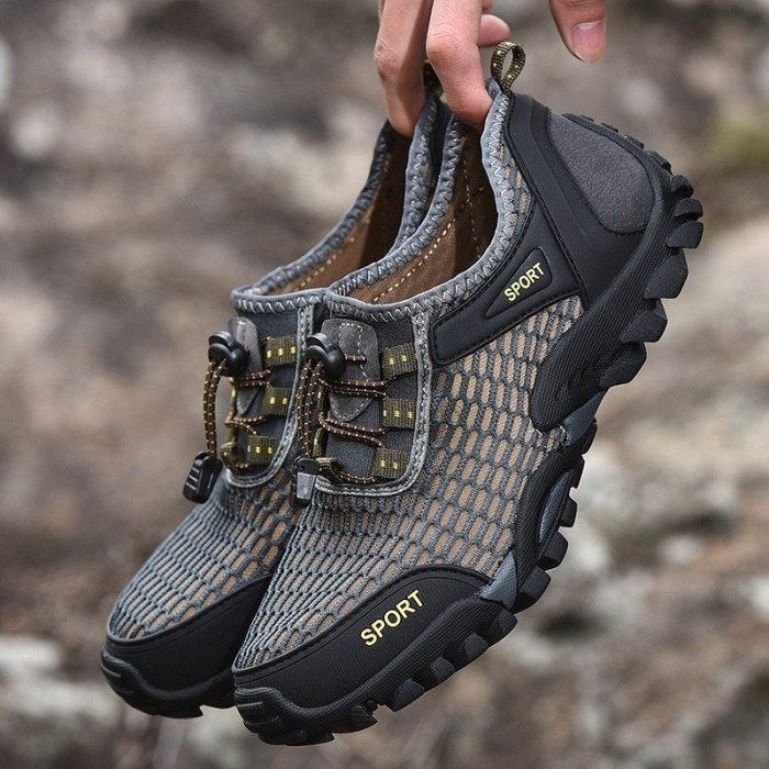Men Mesh Breathable Non Slip Water Friendly Large Size Hiking Sneakers