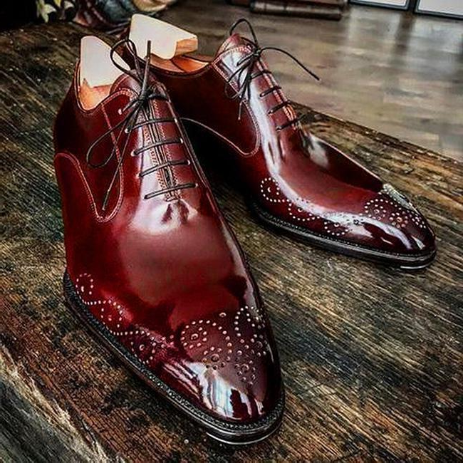 Breathable Brogue Men's Leather Shoes