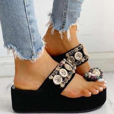 Women's fashion flip-flop sandals