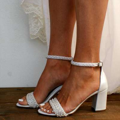 Women Large Size Casual Pearl Buckle Strap Chunky Heel Sandals